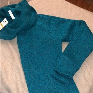 NWT PULLOVER